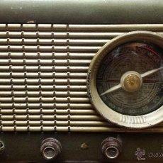 Radios de válvulas: RADIO ANTIGUA VENUS DE 5 VALVULAS SUPERHETERODINO ART DECO AÑOS 40/50 MUY BONITA ENCIENDE. Lote 49375488