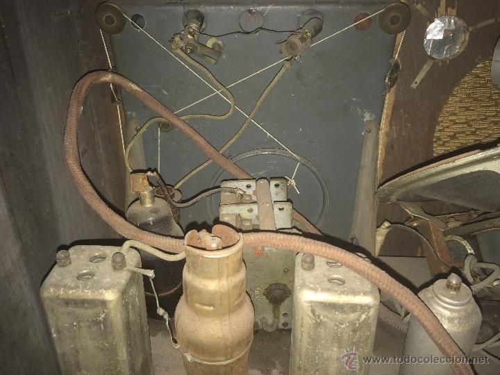 Radios de válvulas: Antigua radio a válvulas en madera y marqueteria años 30-40 marca Lire - Foto 5 - 49445785