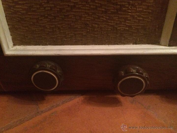 Radios de válvulas: Antigua radio a válvulas en madera y marqueteria años 30-40 marca Lire - Foto 8 - 49445785