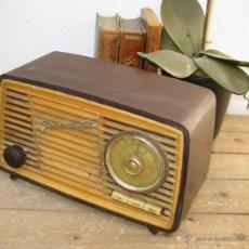 Radios de válvulas: UNICA RADIO ANTIGUA JLMENAU 210 BAQUELITA VALVULAS MUSEO COLECCIONISTAS O DECORACION VINTAGE. Lote 50063666