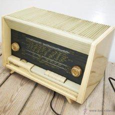 Radios de válvulas: PRECIOSA RADIO ANTIGUA SCHNEIDER CALYPSO BAKELITA A VALVULAS DECORACION VINTAGE O POP. Lote 50161904