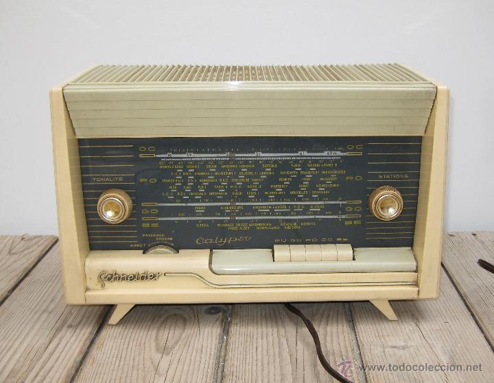 Radios de válvulas: PRECIOSA RADIO ANTIGUA SCHNEIDER CALYPSO BAKELITA A VALVULAS DECORACION VINTAGE O POP - Foto 2 - 50161904