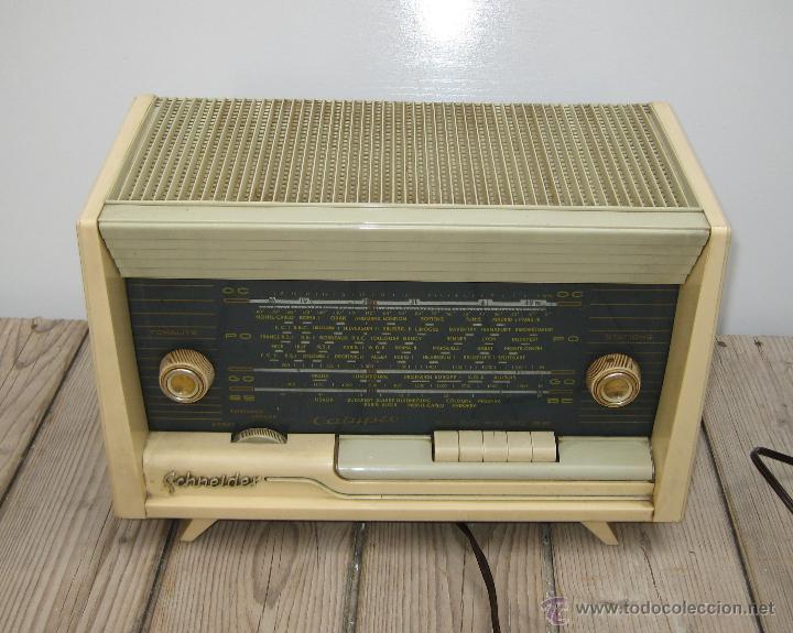 Radios de válvulas: PRECIOSA RADIO ANTIGUA SCHNEIDER CALYPSO BAKELITA A VALVULAS DECORACION VINTAGE O POP - Foto 3 - 50161904