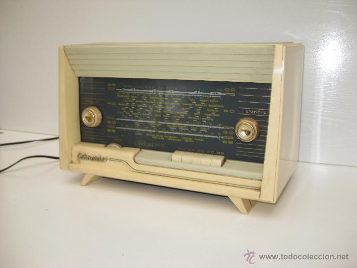 Radios de válvulas: PRECIOSA RADIO ANTIGUA SCHNEIDER CALYPSO BAKELITA A VALVULAS DECORACION VINTAGE O POP - Foto 4 - 50161904