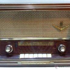 Radios de válvulas: RADIO IBERIA. MOD. T-2135. A VALVULAS. EN FUNCIONAMIENTO. AÑO 1960.. Lote 50282144