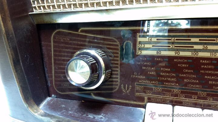 Radios de válvulas: RADIO IBERIA. MOD. T-2135. A VALVULAS. EN FUNCIONAMIENTO. AÑO 1960. - Foto 4 - 50282144