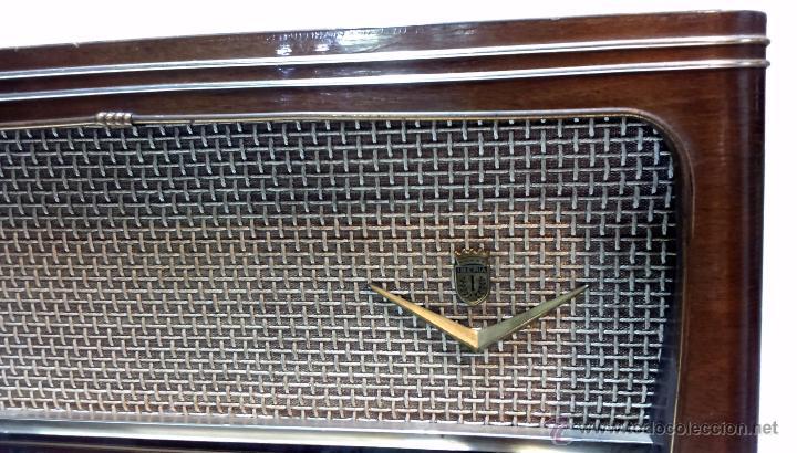 Radios de válvulas: RADIO IBERIA. MOD. T-2135. A VALVULAS. EN FUNCIONAMIENTO. AÑO 1960. - Foto 6 - 50282144