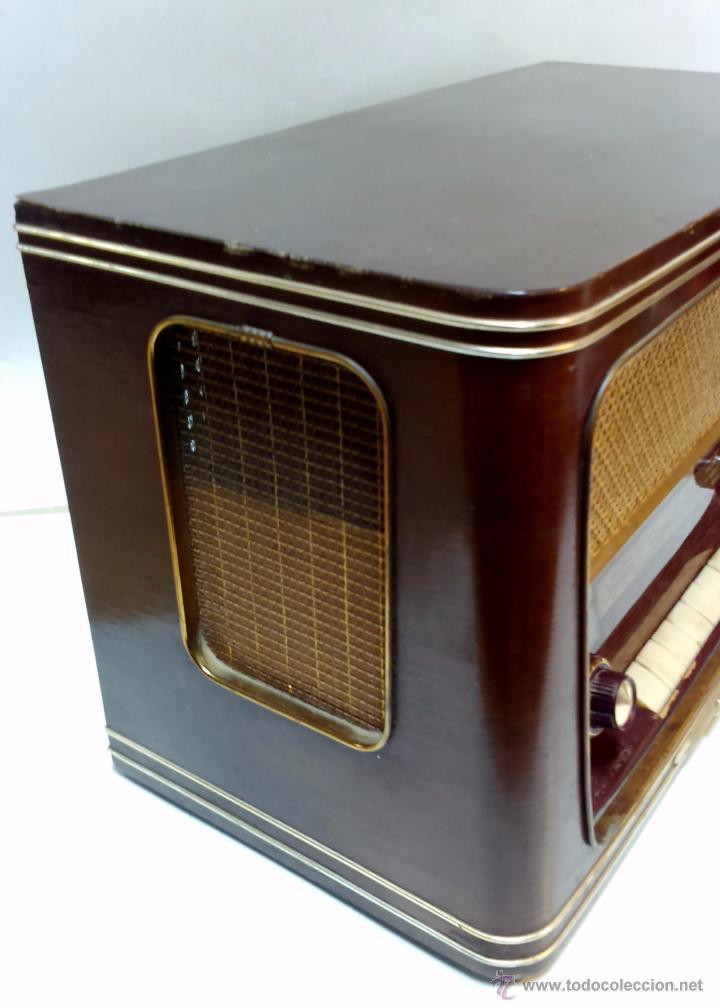 Radios de válvulas: RADIO IBERIA. MOD. T-2135. A VALVULAS. EN FUNCIONAMIENTO. AÑO 1960. - Foto 12 - 50282144