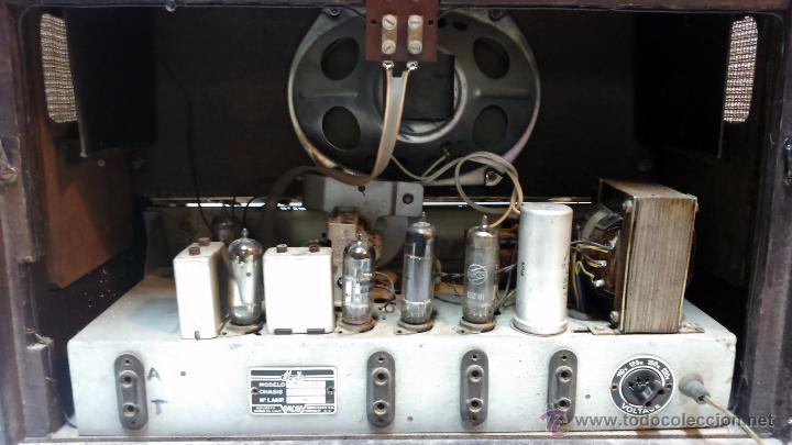 Radios de válvulas: RADIO IBERIA. MOD. T-2135. A VALVULAS. EN FUNCIONAMIENTO. AÑO 1960. - Foto 17 - 50282144