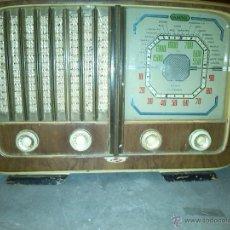Radios de válvulas: RADIO ANTIGUA MARCA MAJESTIC. Lote 51210233