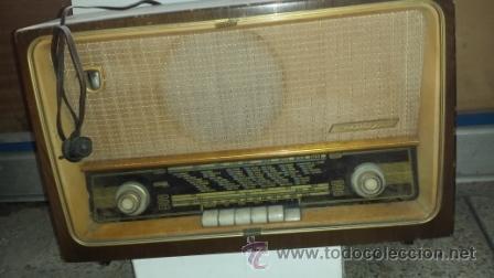RADIO INVICTA MODELO 7474 (Radios, Gramófonos, Grabadoras y Otros - Radios de Válvulas)