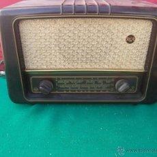 Radios de válvulas: RADIO DE BAQUELITA Y DE VALVULA. Lote 52306681