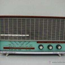 Radios de válvulas: ANTIGUA RADIO MARCA MARAHIS TRANSISTOR TWO BAND. AÑOS 50- FUNCIONANDO. Lote 52482191
