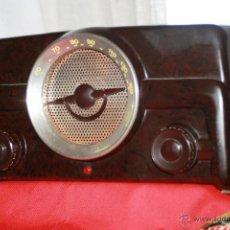 Radios de válvulas: RADIO DE BAQUELITA DE VALVULAS POSIBLEMENTE MARCA GÜELRAD AMERICANA (CHILE) FUNCIONANDO VER VIDEO. Lote 52647837