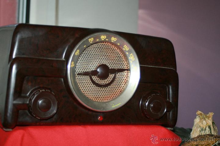 Radios de válvulas: RADIO DE BAQUELITA DE VALVULAS POSIBLEMENTE MARCA GÜELRAD AMERICANA (CHILE) FUNCIONANDO VER VIDEO - Foto 7 - 52647837