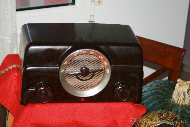 Radios de válvulas: RADIO DE BAQUELITA DE VALVULAS POSIBLEMENTE MARCA GÜELRAD AMERICANA (CHILE) FUNCIONANDO VER VIDEO - Foto 8 - 52647837