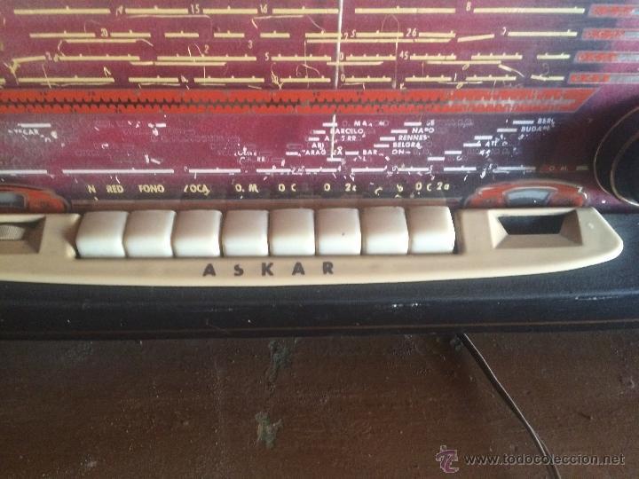 Radios de válvulas: Antigua radio de valvulas marca Askar de los años 50 con antena incorporada en interior - Foto 3 - 53228891