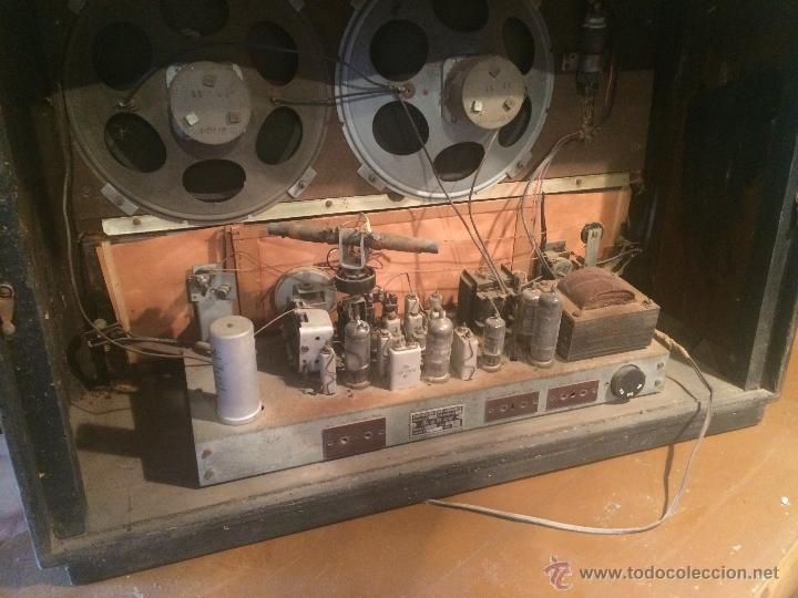 Radios de válvulas: Antigua radio de valvulas marca Askar de los años 50 con antena incorporada en interior - Foto 14 - 53228891