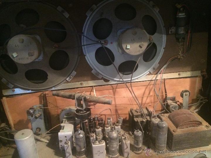 Radios de válvulas: Antigua radio de valvulas marca Askar de los años 50 con antena incorporada en interior - Foto 17 - 53228891