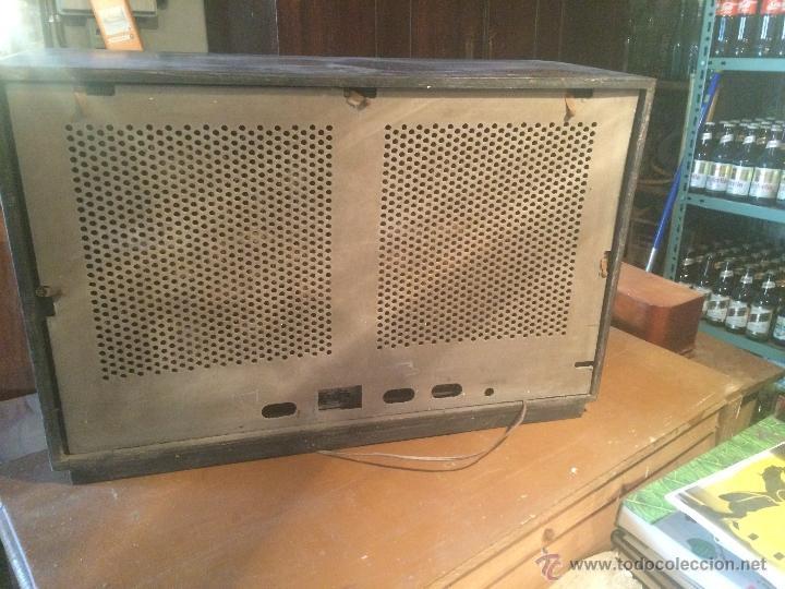 Radios de válvulas: Antigua radio de valvulas marca Askar de los años 50 con antena incorporada en interior - Foto 20 - 53228891