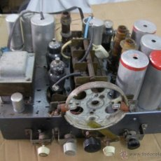 Radios de válvulas: ANTIGUO CHASIS DE RADIO ANTIGUA DE VALVULAS - TODO LO QUE SE VE EN LAS FOTOS. Lote 53698713