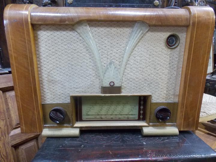 RADIO AÑOS 50 FUNCIONANDO CON MARCA (Radios, Gramófonos, Grabadoras y Otros - Radios de Válvulas)