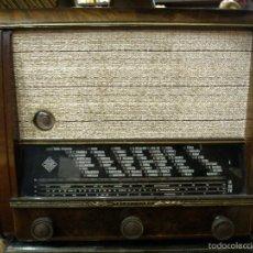 Radios de válvulas: APARATO DE RADIO ANTÍGUO. MARCA TELEFUNKEN. MEDIDAS 38X20X30. FUNCIONANDO. Lote 55123698