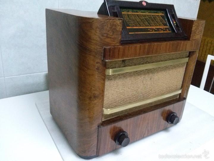 ANTIGUA PHILIPS 695 A (1936) FUNCIONANDO Y EN BUEN ESTADO . VER VÍDEO (Radios, Gramófonos, Grabadoras y Otros - Radios de Válvulas)