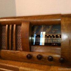 Radios de válvulas: RADIO MUY ANTIGUA FUNCIONA MUY BIEN. Lote 56568230