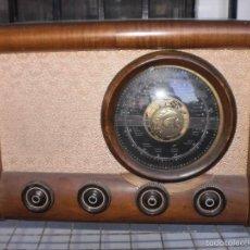 Radios de válvulas: RADIO PRECIOSA DE LAMPARAS ( VALVULAS ) CUERPO DE MADERA MACIZA , MARCA EUREKA . SOBRE LOS AÑOS 30. Lote 56991051