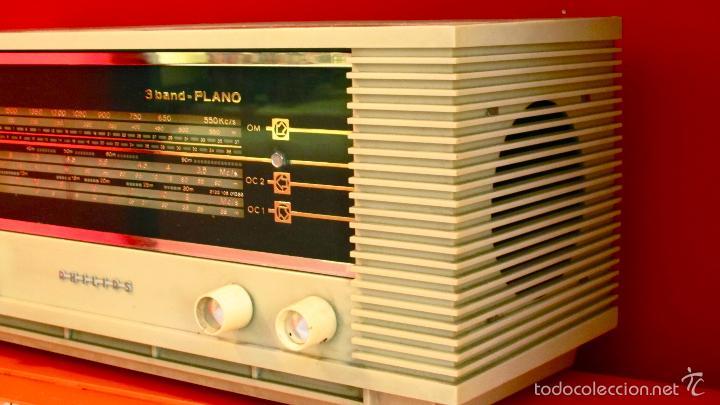 Radios de válvulas: RADIO PHILIPS ANTIGUA VALVULAS 3 BAND PLANO VINTAGE AÑOS 60 - Foto 2 - 57618645