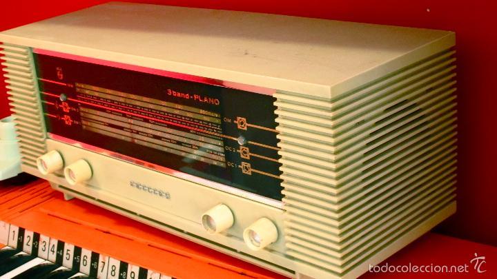 Radios de válvulas: RADIO PHILIPS ANTIGUA VALVULAS 3 BAND PLANO VINTAGE AÑOS 60 - Foto 3 - 57618645