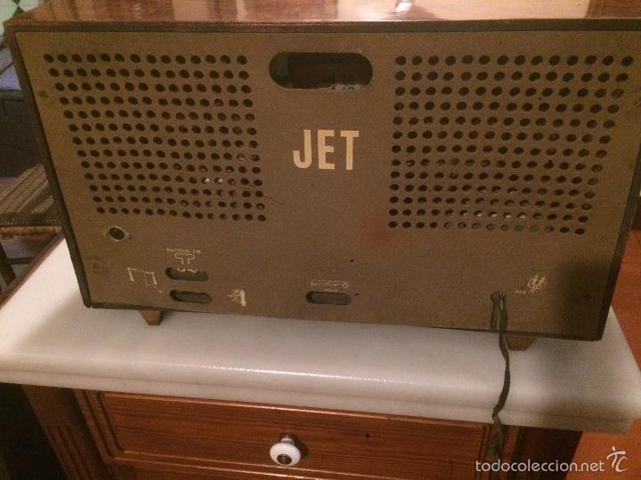 Radios de válvulas: Antigua radio a Válvulas marca Magestic Jet con caja de madera y dial rectangular de cristal años 60 - Foto 15 - 58447051
