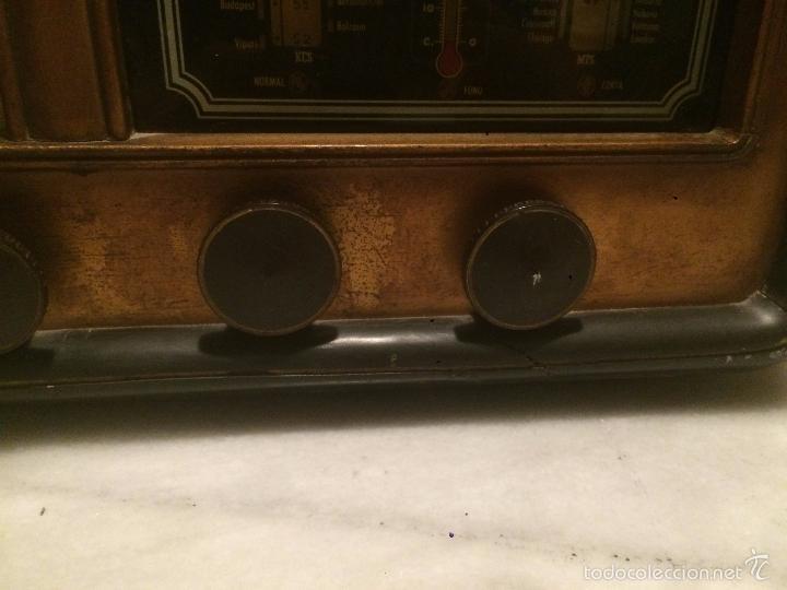 Radios de válvulas: Antigua radio a Válvulas de madera y dial cuadrado de cristal años 30-40 - Foto 4 - 58447279