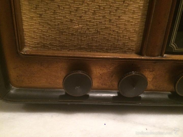 Radios de válvulas: Antigua radio a Válvulas de madera y dial cuadrado de cristal años 30-40 - Foto 6 - 58447279