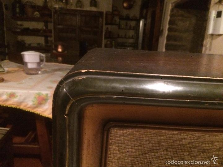 Radios de válvulas: Antigua radio a Válvulas de madera y dial cuadrado de cristal años 30-40 - Foto 7 - 58447279