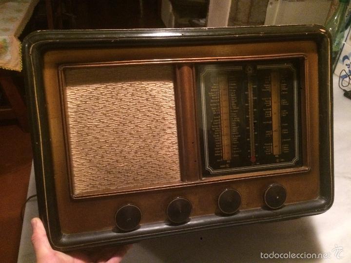 Radios de válvulas: Antigua radio a Válvulas de madera y dial cuadrado de cristal años 30-40 - Foto 13 - 58447279