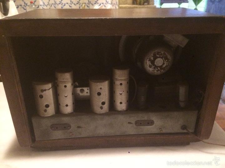 Radios de válvulas: Antigua radio a Válvulas de madera y dial cuadrado de cristal años 30-40 - Foto 15 - 58447279