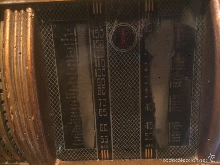 Radios de válvulas: Antigua radio a Válvulas de madera y dial cuadrado de cristal años 40 radio marca Brunet - Foto 10 - 58447353