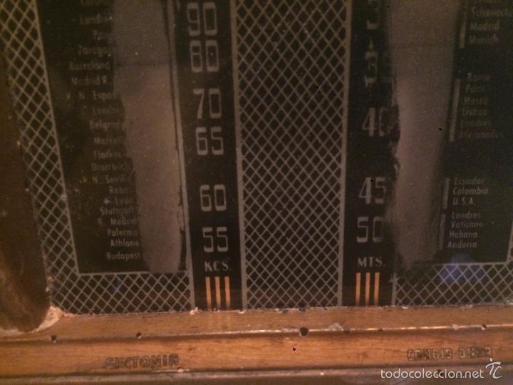 Radios de válvulas: Antigua radio a Válvulas de madera y dial cuadrado de cristal años 40 radio marca Brunet - Foto 12 - 58447353