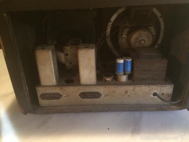 Radios de válvulas: Antigua radio a Válvulas de madera y dial cuadrado de cristal años 40 radio marca Brunet - Foto 14 - 58447353