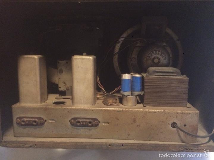 Radios de válvulas: Antigua radio a Válvulas de madera y dial cuadrado de cristal años 40 radio marca Brunet - Foto 15 - 58447353
