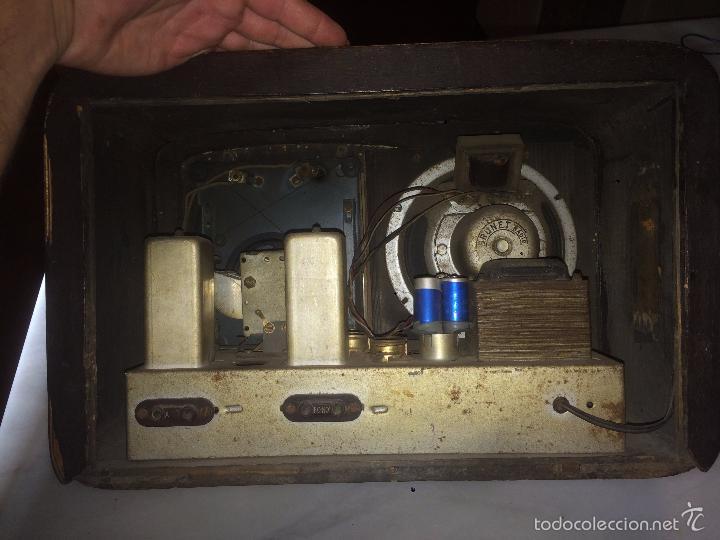 Radios de válvulas: Antigua radio a Válvulas de madera y dial cuadrado de cristal años 40 radio marca Brunet - Foto 16 - 58447353
