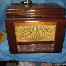 Radios de válvulas: IMPRESIONANTE Y ANTIGUA RADIO TOCADISCOS LA VOZ DE SU AMO Nº 5114 DE MADERA. Lote 59036605