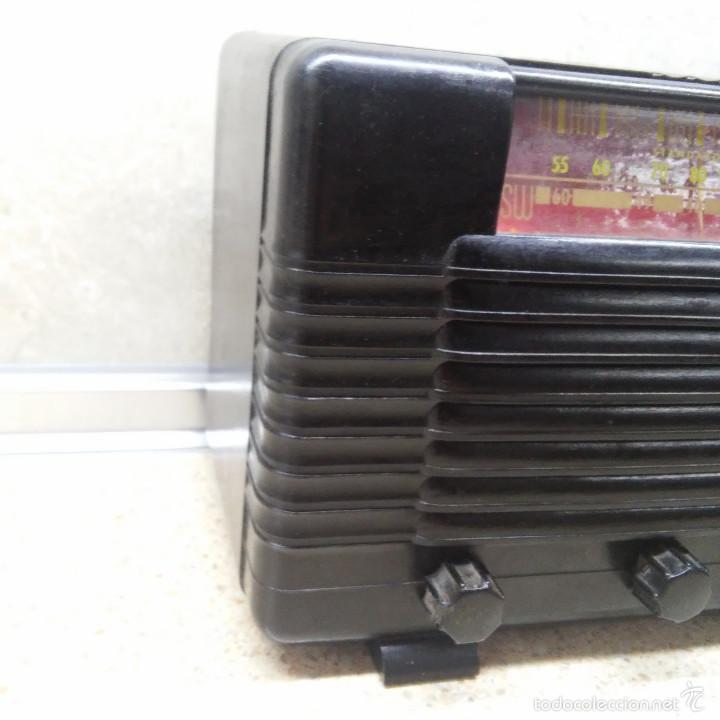 Radios de válvulas: VINTAGE, PRECIOSA RADIO ANTIGUA DE VALVULAS AMERICANA EN BAQUELITA NEGRA * FUNCIONANDO * - Foto 2 - 59864928