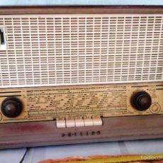Radios de válvulas: RADIO DE VÁLVULAS ANTIGUA. MARCA PHILIPS. PARA RESTAURAR O DECORAR:. Lote 59931743