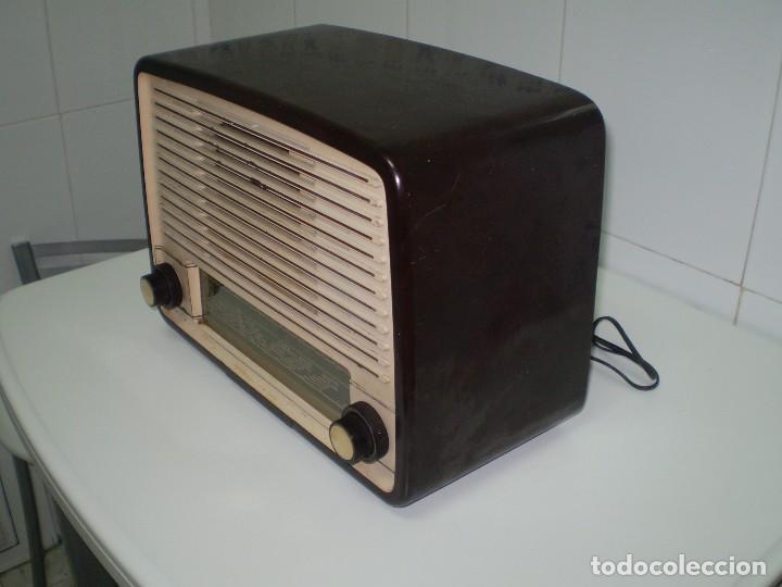 Radios de válvulas: RADIO DE VALVULAS PHILIPS MOD-BE452A ¡¡¡¡FUNCIONA!!!!. - Foto 2 - 64393135