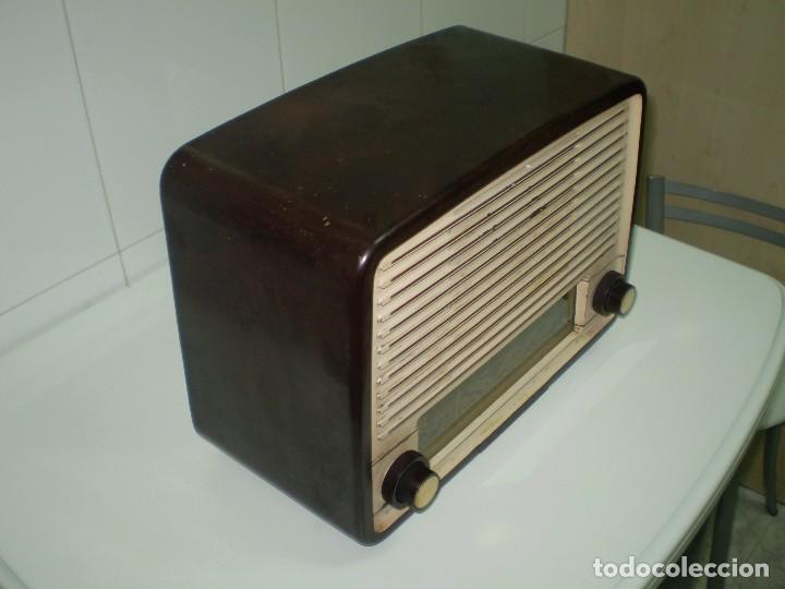 Radios de válvulas: RADIO DE VALVULAS PHILIPS MOD-BE452A ¡¡¡¡FUNCIONA!!!!. - Foto 3 - 64393135
