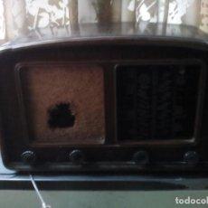 Radios de válvulas: ANTIGUA RADIO CLARION. Lote 185998586