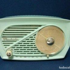 Radios de válvulas: BONITA RADIO RADIOLA - PEQUEÑAS DIMENSIONES - FUNCIONANDO Y A 220 V - VER VÍDEO. Lote 70413225